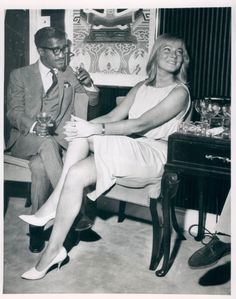 Sammy & wife May Britt - undated. Hollywood Fashion, Hollywood Style, Joey Bishop, Peter Lawford, Swedish Actresses, Interracial Marriage, Sammy Davis Jr, Stars Then And Now, Star Wedding