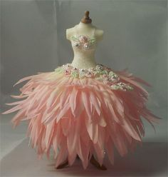 Trinkets, Treasures & Treats, Ikle Company - The Dress Boutique (via fairy. Sweet idea for dressform pincushion! Fairy Clothes, Doll Clothes, Dress Form, The Dress, Costume Carnaval, Robes Tutu, Feather Dress, Fairy Dress, Fantasy Costumes