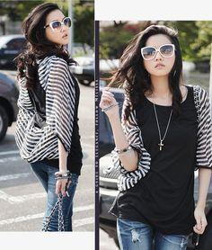 """Blusa negra en algodón con volado en gasa - Black top with striped gauze """"bat?"""" sleeves"""
