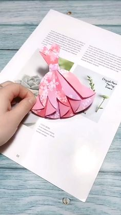 Diy Crafts Hacks, Diy Crafts For Gifts, Diy Arts And Crafts, Diy Projects, Paper Crafts Origami, Paper Crafts For Kids, Diy Paper, Paper Vase, Summer Crafts For Kids