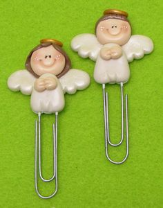 polymer clay paper clips or bookmarks Polymer Clay Ornaments, Polymer Clay Christmas, Polymer Clay Figures, Fimo Clay, Polymer Clay Projects, Polymer Clay Charms, Polymer Clay Creations, Clay Crafts, Clay Angel