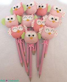 Kids Crafts, Felt Crafts, Diy And Crafts, Paper Crafts, Diy Baby Gifts, Craft Gifts, Gifts For Kids, Felt Owls, Pencil Toppers