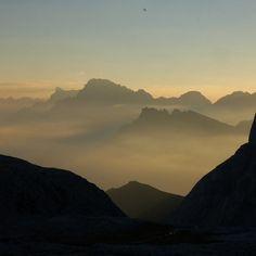 05.02 #trentinoskisunrise in @visitvalsugana romantica #alba e #colazione con prodotti trentini #chaletparadiso