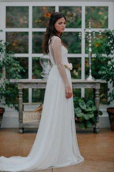 Polka Dot Wedding Dress, Seductive Women, Lovely Dresses, Bridal, Getting Married, Wedding Gowns, Wedding Inspiration, Elie Saab, Unique Fashion