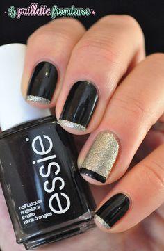 #nail #nails #nailart #lapaillettefrondeuse #black #gold #essie #frenchmanucure