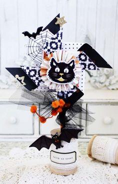 Fall Home Decor: Halloween Pinwheel (Crate Paper) Halloween Paper Crafts, Halloween Home Decor, Halloween Projects, Diy Halloween Decorations, Halloween House, Fall Home Decor, Paper Decorations, Holiday Crafts, Halloween Ideas