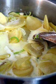 Kaikki äitini reseptit: Keitetyt kermaperunat Potato Salad, Food And Drink, Potatoes, Meat, Chicken, Ethnic Recipes, Potato, Cubs