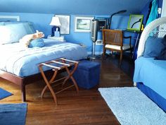 The Blue Room, what else?  Queen and twin beds. Twin Beds, Blue Rooms, B & B, Heaven, Queen, Furniture, Home Decor, Blue Bedrooms, Sky
