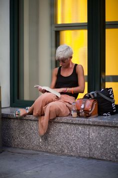 The pleasure of #reading anywhere www.digiwriting.com