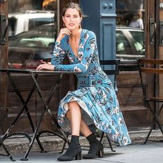 Meet our chic Around Town Midi Jersey Dress. It is the perfect style to transition from day to night. We Wear, How To Wear, Fall Collections, Dress Making, Nice Dresses, Wrap Dress, Floral Prints, Boho, Chic