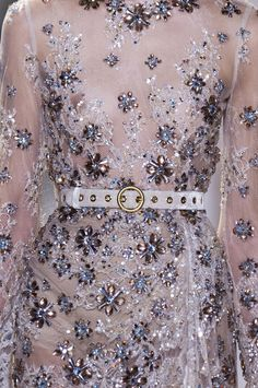 Details from Elie Saab Haute Couture Spring/Summer Paris Fashion Week. Elie Saab Couture, Couture Mode, Couture Fashion, Runway Fashion, Paris Fashion, Women's Fashion, High Street Fashion, Couture Details, Fashion Details