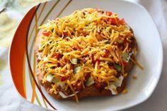 Das perfekte Indian (Apache) Taco-Rezept mit Bild und einfacher Schritt-für-Schritt-Anleitung: Die Salatgurke schälen und in kleine Würfel…