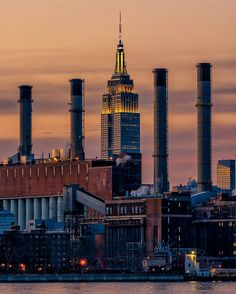 Empire State Building by Don Doherty by newyorkcityfeelings.com - The Best Photos and Videos of New York City including the Statue of Liberty Brooklyn Bridge Central Park Empire State Building Chrysler Building and other popular New York places and attractions.