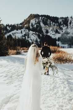 Winter Bridals / Utah Wedding Photographer » Summer Taylor Photography Snow Wedding, Winter Wedding Flowers, Elope Wedding, Wedding Poses, Wedding Colours, Wedding Ideas, Winter Weddings, Wedding Rustic, Church Wedding