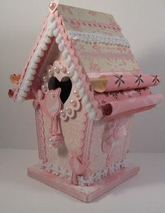 Pink craft birdhouse Thanks for looking! Wood Crafts, Diy And Crafts, Arts And Crafts, Paper Crafts, Paper Art, Decoupage, Shabby Chic Birdhouse, Birdhouse Craft, Birdhouses