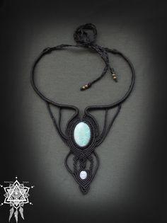 Collier macramé de déesse avec Pierre de lune arc-en-ciel et d