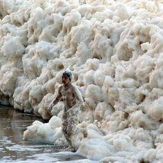 Foam sea, Australia (strange phenomenon)