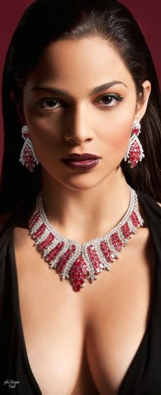 Not entirely sure what's being advertised here but the jewelry sure is pretty - womens diamond jewelry, cheap womens jewelry online, cool womens jewelry