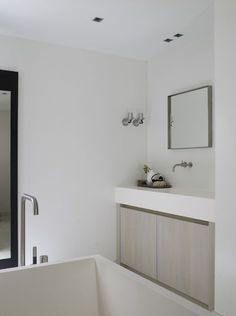 Piet Boon Styling by Karin Meyn   Subtle colors for a relaxing bathroom