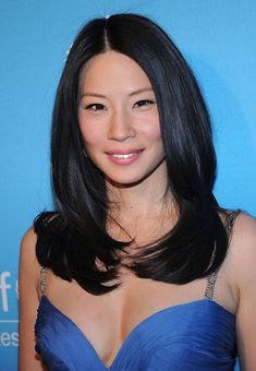 Another great candid shot of the beautiful Lucy Liu