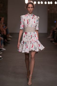 Zimmermann Spring 2016 Ready-to-Wear Collection Photos - Vogue http://www.vogue.com/fashion-shows/spring-2016-ready-to-wear/zimmermann/slideshow/collection#13