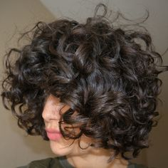 Le Kurl nectar de LSL : un must have pour les cheveux bouclés ? Curled Hairstyles, Easy Hairstyles, Girl Hairstyles, Styling Comb, Air Dry Hair, Natural Hair Styles, Long Hair Styles, Types Of Curls, Trending Hairstyles