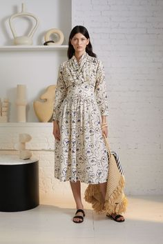 Apiece Apart Pre-Fall 2020 Fashion Show Collection: See the complete Apiece Apart Pre-Fall 2020 collection. Look 1 Apiece Apart Pre-Fall 2020 Fashion Show Collection: See the complete Apiece Apart Pre-Fall 2020 collection. Look 1 Vogue Paris, Fashion 2020, Runway Fashion, Fashion Women, Chic Outfits, Fashion Outfits, Comfy Casual, Fashion Show Collection, Summer Dresses For Women