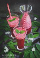 Smoothie de visine Edith's Kitchen, Cherry Smoothie, Sour Cherry, Mocca, Frappe, Kiwi, Deserts, Candle Holders, Good Food