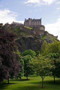 Edinburgh Castle, United Kingdom I want to see the history and castles of the United Kingdom.