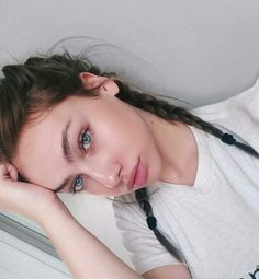 Molly O'malia on We Heart It Beautiful Girl Makeup, Pretty Makeup, Simple Makeup, Makeup Looks, Pretty Selfies, Hair Colour For Green Eyes, Beauty Makeup, Hair Beauty, Just Girl Things