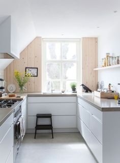 Love the pine and those counters are gorg!!