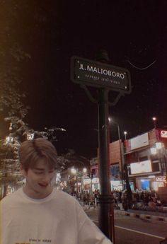 hangyul as ur boyfie Attack On Titan Art, Korea Boy, All About Kpop, Your Boyfriend, Boyfriend Material, Jaehyun, K Idols, Cute Wallpapers, Korean Drama