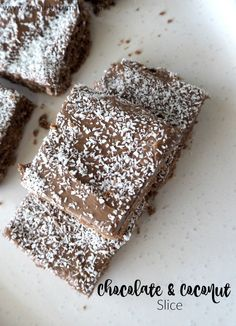Classic Chocolate and Coconut Slice Recipe. A great easy slice recipe! Both regular and Thermomix instructions included. Ic Recipes, Lunch Box Recipes, Fun Easy Recipes, Easter Recipes, Sweet Recipes, Baking Recipes, Dessert Recipes, Chocolate Coconut Slice, Coconut Icing