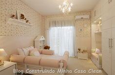 Luxuosos e cheios de charme!       1- Sonho de quarto! Casamento perfeito do lustre de cristais com o espelho veneziano, cabeceira capit...