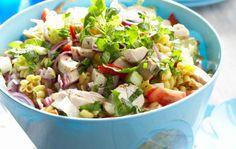 Ruokaisa pastasalaatti Feta, Potato Salad, Potatoes, Ethnic Recipes, Red Peppers, Potato