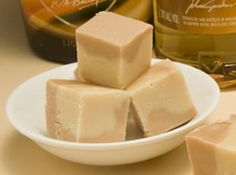 Bailey's Irish Cream Fudge-Very smooth and silky fudge. I like to make this recipe and my other Bailey's Irish Cream fudge and give as gifts because they are both wonderful flavors. All my friends love love love this fudge! Candy Recipes, Sweet Recipes, Dessert Recipes, Yummy Treats, Sweet Treats, Yummy Food, Healthy Food, Mini Desserts, Just Desserts