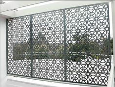 Very Nice Fence Screening Design for Your Inspiration - My Little Think Wrought Iron Decor, Window Decor, Beautiful Interiors, House Exterior, Decorative Screen Panels, Home Decor, Pergola Ideas Privacy, Wrought Iron Fences, Diy Privacy Fence