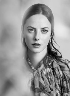 Actress Kaya Scodelario graces the March 2018 cover of Marie Claire UK. Lensed by Kate Davis Macleod, the 'Maze Runner: The Death Cure' star poses in a printed… Marie Claire, The Maze Runner Film, Kaya Rose Humphrey, Skins Uk, Portraits, Woman Face, Hollywood Actresses, Beautiful Actresses, Beautiful Celebrities