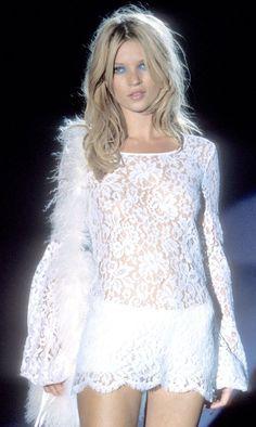 Kate Moss circa 1990, walking for Gucci   Tumblr