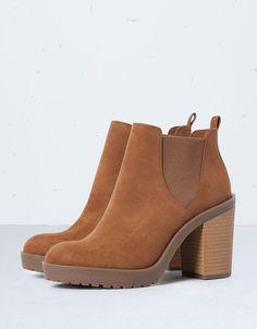 Bottines à talons avec élastique Bershka - Chaussures - Bershka France