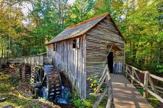 Solid-Faced Canvas Print Wall Art Print entitled Cable Mill at Cades Cove, Great Smoky Mountains National Park, Tennessee Smoky Mountains Map, Mountain Waterfall, Mountain Vacations, Smoky Mountain National Park, Cades Cove, Appalachian Trail, Le Moulin, Covered Bridges, Old Houses
