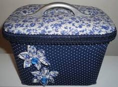 potes de sorvete decorados para panetone - Pesquisa Google Ice Cream Tubs, Pretty Box, Decoupage, Diy And Crafts, Recycling, Projects To Try, Decorative Boxes, Container, Bling