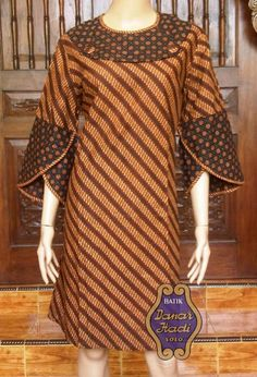 The most classic collection of beautiful and stylish ankara gowns of you need these stylish ankara gowns to trend anywhere Latest African Fashion Dresses, African Print Dresses, African Print Fashion, African Dress, African Prints, Blouse Batik, Batik Dress, African Attire, African Wear