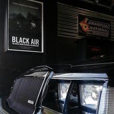 so menacing Buick Grand National Gnx, Gm Car, Buick Skylark, Buick Riviera, Buick Regal, Car Memes, Motor Car, Muscle Cars, Cool Cars
