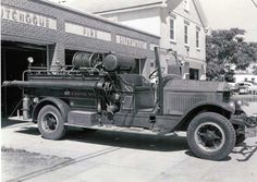 Cutchogue Fire Department (NY) 1930 American Lafrance Pumper: Photo taken by Charles Meredith 8/25/56   http://setcomcorp.com/5bheadset.html