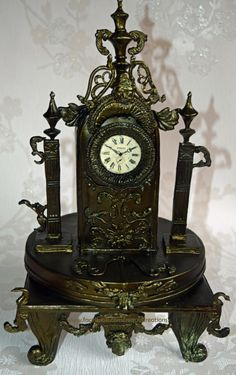 Vintage Clock - Cake by Znique Creations
