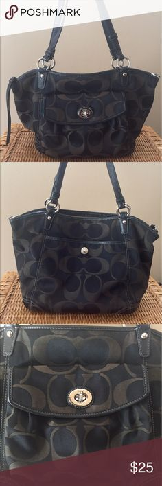 Coach Purse Black/Brown Shoulder Bag Outside of the bag is in very good condition, with slight wear in straps as shown in photo. NOTE - The inside of this purse is dirty. Last three photos show the stains and marks on lining. I have not attempted to clean. Sold as is. 👗👚👜Check out the $6 section of closet (before sold items). 15% bundle discount on 2+ items. 🚫NO TRADES 🚫NO MODELING🚫 Coach Bags Shoulder Bags