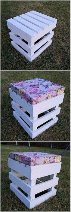 Besides adding couch sets and benches into your house rooms placing the stool designs is another one of the complimentary style to add in your house corners. Check out this masterpiece of the artistic designed stool creation out of the wood pallet. Wooden Pallet Projects, Wooden Pallet Furniture, Pallet Crafts, Wooden Pallets, Pallet Ideas, Wooden Diy, Pallet Wood, Pallet Bench, Rustic Furniture