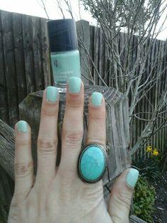 Weekend Nails March. Blogclaudiamaral.blogspot.co.uk #blogger #bbloggers #beauty #nailpolish #owner #blogpost
