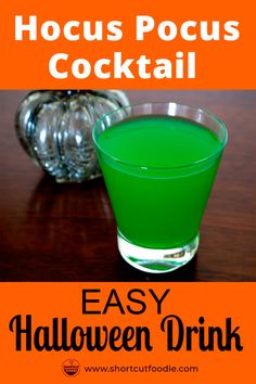 for easy, alcoholic, green Halloween cocktail recipes? Try this simple Hocus Pocus cocktail made with blue curaçao, melon liqeour, and juice. Find out how to make it with the full recipe. Green Alcoholic Drinks, Alcoholic Punch, Party Drinks Alcohol, Fall Drinks, Drinks Alcohol Recipes, Cocktail Recipes, Cocktail Drinks, Halloween Punch Alcohol, Easy Halloween Cocktails